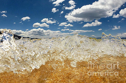 Bubbling by Dan Holm
