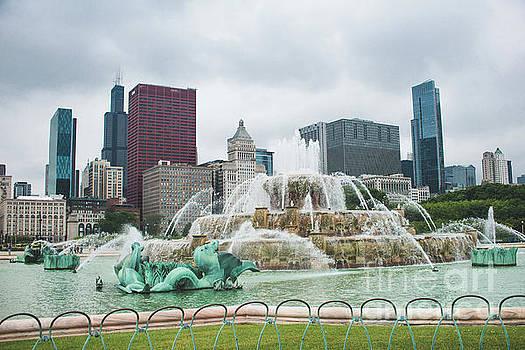 Buckingham Fountain by Sonja Quintero