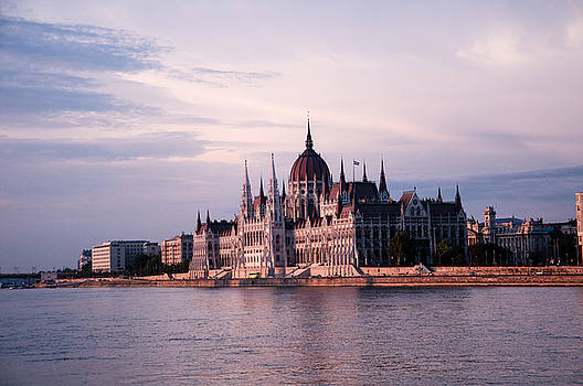 Budapest Parliament by Freepassenger By Ozzy CG