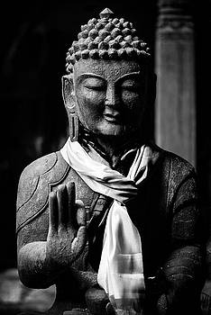 Buddha statue in black and white by Dutourdumonde Photography