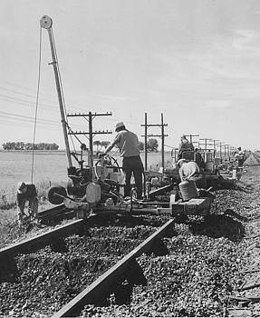 Chicago and North Western Historical Society - Working on the Rails- 1957