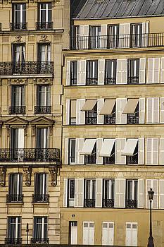 Buildings in Paris by Andrew Soundarajan