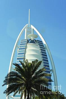 Burj Al Arab by Hanza Turgul