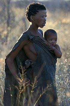 Bushmen mother and child by Miranda  Miranda