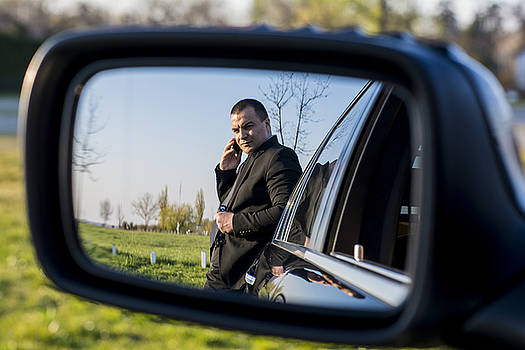 Newnow Photography By Vera Cepic - Business man on the phone direct