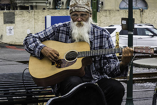 Chris Coffee - Busking in New Orleans, Louisiana