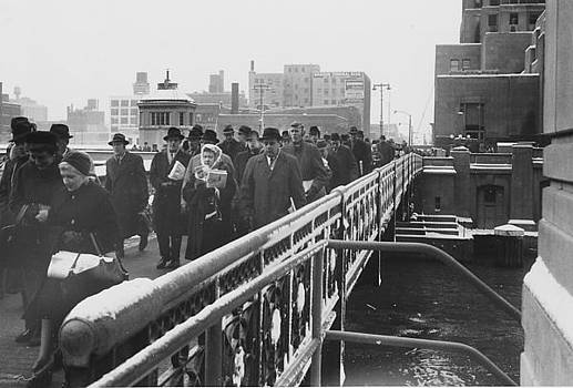 Chicago and North Western Historical Society - Bustling Crowd of Passengers on Chicago Bridge