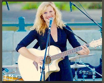 Cadence Sings by Jennifer Cadence Spalding
