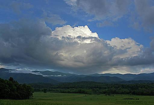 Cades Cloud by Jerry LoFaro