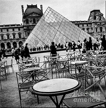 Cyril Jayant - Cafe Marley in Cour du Louvre Paris.