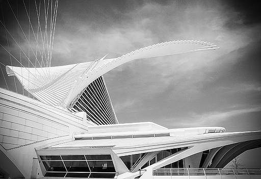 Calatrava - Milwaukee Art Museum by John Roach