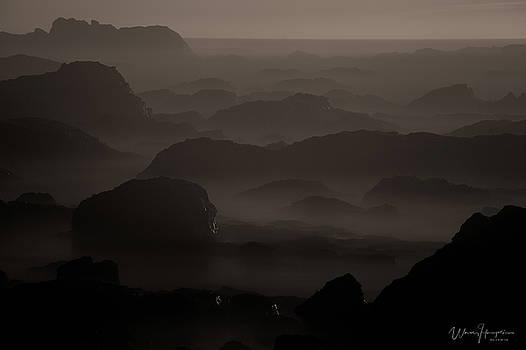 California Seascape - 8323,SW by Wally Hampton
