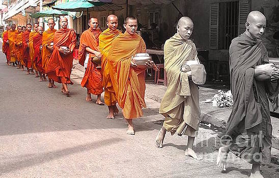 Cambodian monks by Beth Jacobs