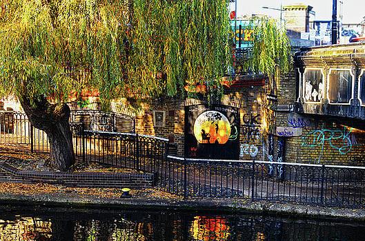 Spade Photo - Camden Lock