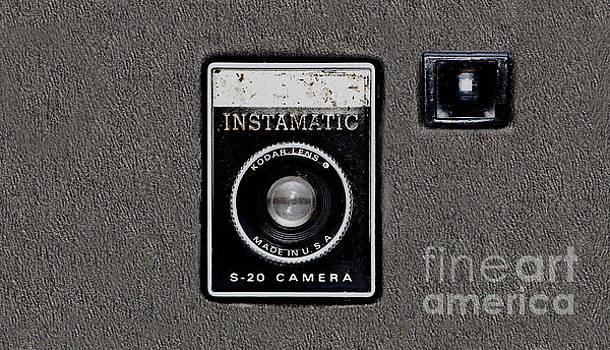 Tina Lavoie - Camera geek Vintage Instant camera