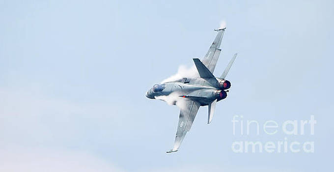 Canadian Forces CF-18 Hornet at Toronto during CNE Airshow by Colin Cuthbert