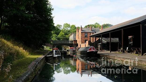 Canal barges 3 by John Chatterley