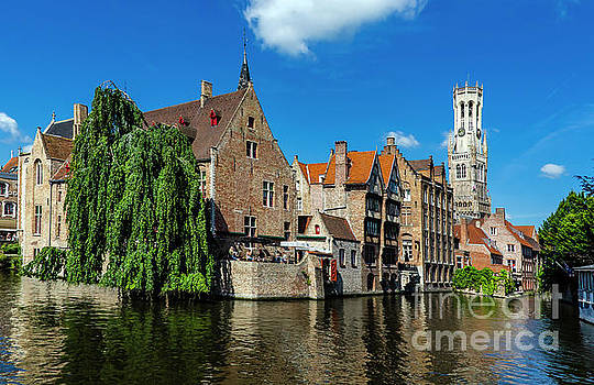 Pravine Chester - Canals of Bruges