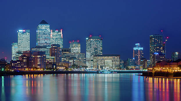 Canary Wharf by Stewart Marsden