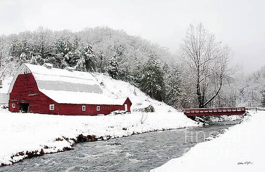 Caney Fork Snow Barn 2010 by Matthew Turlington
