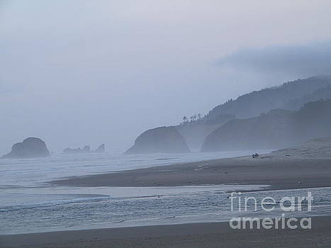 Cannon Beach by Jessica Waters