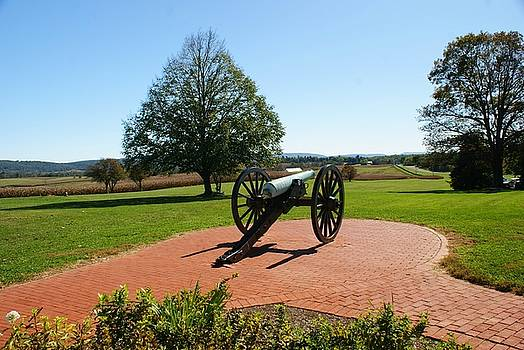 Canon at Antietam by Lois Lepisto