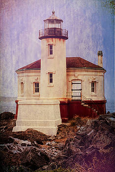 Cape Blanco Light Vintage Look by Charlie Choc