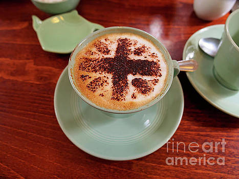 Cappuccino with a Union Jack theme by Louise Heusinkveld