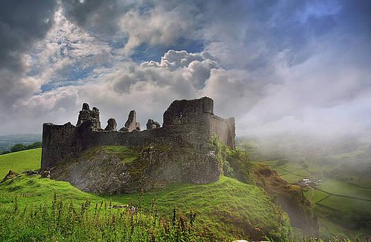 Carreg Cennen Castle 2 by Phil Fitzsimmons