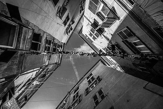 Caruggi - Genoa / Italy by Massimo Mazza