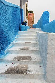 Venetia Featherstone-Witty - Casablanca Climb