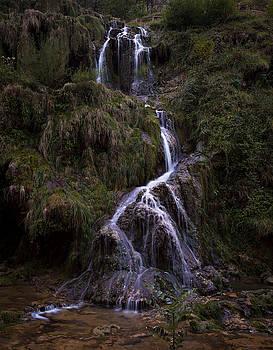 Cascade de Baume-les-Messieurs  by Wim Slootweg