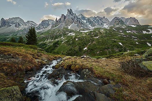 Jon Glaser - Cascade in the Alps
