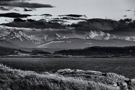 Cascade Mountains by Thomas Ashcraft