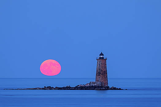 Castle Island View of Whaleback Lighthouse and Full Moon  by Juergen Roth