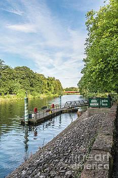 Steve Purnell - Castle Water Bus Stop 1