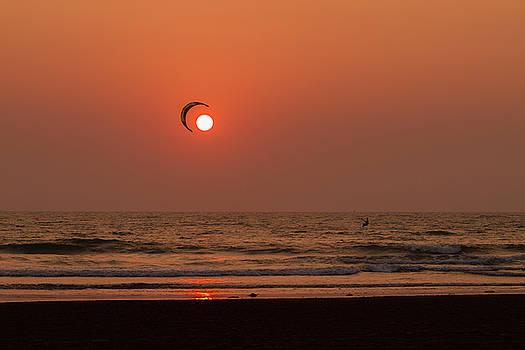 Catch the Sun by Hitendra SINKAR