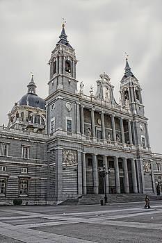 Catedral de la Almudena by Angel Jesus De la Fuente