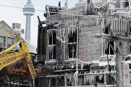 Reimar Gaertner - Caterpillar demolishing Victorian buildings after Queen street w