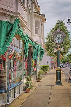 Susan Rissi Tregoning - Cedarburg Street Clock