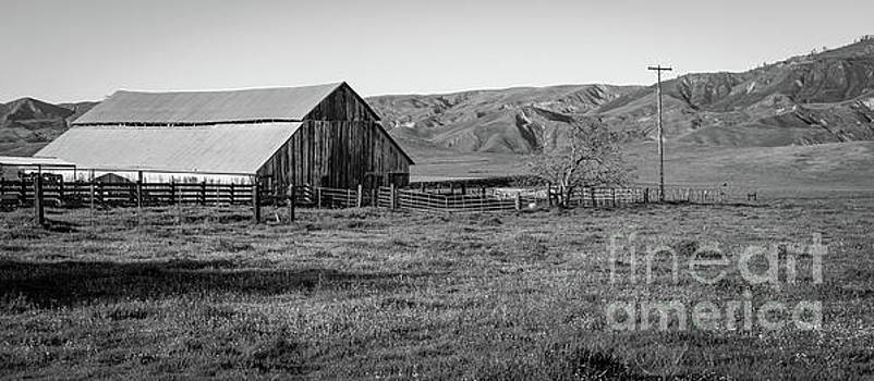 Steinbeck Country Barn by Jeffrey Hubbard