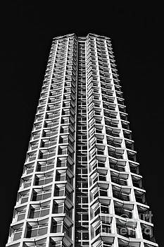 Centre Point by David Bleeker