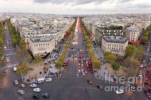 Champs-Elysees, Paris by David Bleeker