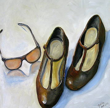 Chanel sunglasses and brown shoes by Mohita Bhatnagar