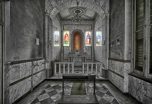 CHAPEL OF A FORMER HOSPITAL BW - CAPPELLA di ex OSPEDALE BNNDONED PLACES by Enrico Pelos