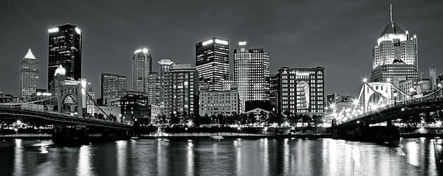 Charcoal Panoramic in Pittsburgh 2017 by Frozen in Time Fine Art Photography