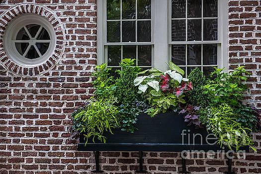 Dale Powell - Charleston Brick Round Window