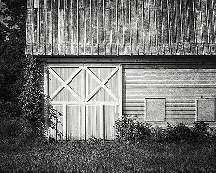 Lisa Russo - Charlton School Barn in Black and White