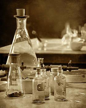 Nikolyn McDonald - Chemistry Lab 1
