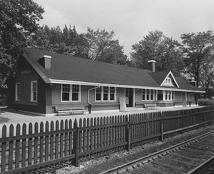 Chicago and North Western Historical Society - Chicago and North Western Depot at Norwood Park - 1960